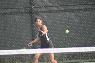 Ariana Malik won her first doubles match alongside Julia Raziel on Tuesday.